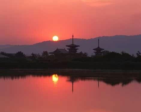 勝間田の池から唐招提寺を望む 2