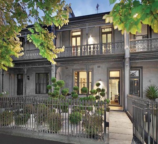 48+st+vincent+place+north+albert+park+grey+terrace+house+wrought+iron+victorian+villa+grey+cloud+topiary.jpg (600×545)