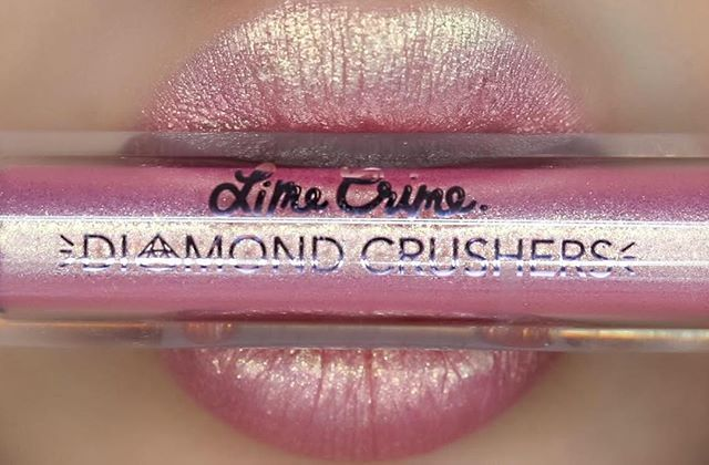 The only way to describe LIT is... rose gold on acid!  This is the glitteriest shade in the collection and will make your pout look like it's filled with tiny lights! Stay tuned for in-action video next. Want it? Subscribe: limecrime.com/diamondcrushers  #DiamondCrushers are a liquid #liptopper that can be worn by itself or over liquid matte lipstick. Unlike gloss, it won't disturb the formula underneath - it will seal it instead and bring it to life!✨✨✨ Swatched over bare lips by…
