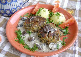 W Mojej Kuchni Lubię.. : opieńki i zielonki=sos i kotlety z kaszą...