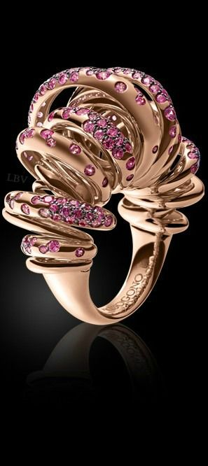 de Grisogono - ruby's on pink golden ring