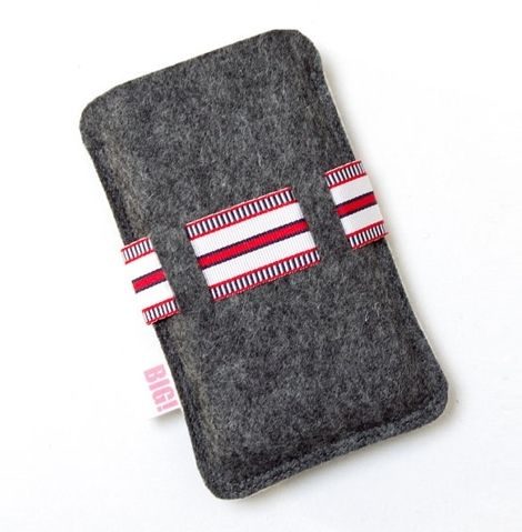 Felt Mobile Phone Cases Material: Felt Size: suitable for any type of smart phone Model: PB-092608 Waterproof, fireproof safe. Soft feel and very light weight. Environmentally friendly materials. Sustainable, renewable energy and biodegradable.  Felt mobile phone sets supplier from direct factory