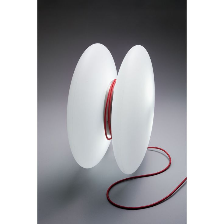 Almerich Lámpara Yo-Yo  ¡Qué original! Lámpara de mesa o de pie Yo-Yo de Almerich. Fabricada en polietileno mediante el roto moldeo. Inspirada el juguete que...