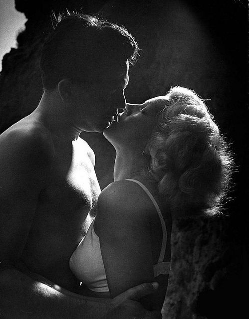 "KISSING COUPLE~John Garfield and Lana Turner ""The Postman Always Rings Twice"", 1946"