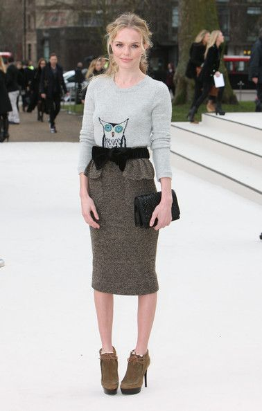 Kate Bosworth Photo - Celebrities Arrive At Burberry Fashion Show