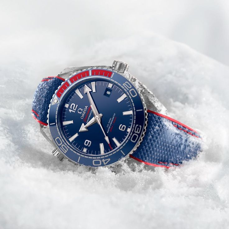 #1YearToGo / #OMEGAOfficialTimekeeper  With the next Winter @Olympics one year away, it's time to reveal the Seamaster Planet Ocean 600M @PyeongChang2018 Limited Edition, in the colours of the Korean flag! (link in profile) #omega #omegawatches #watch #watches #omegaseamaster #seamaster #planetocean #pyeongchang2018 #olympicgames #olympics #winterolympics #winter #officialtimekeeper #timekeeper #timekeeping #koreanflag #countdown #countdownclock #clock #seoul #pyeongchang