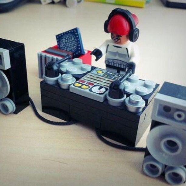 Lego DJ !!!!
