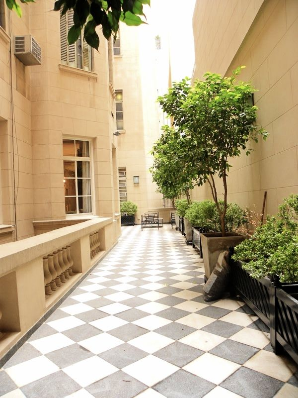 A 50 sqmt of courtyard in an emblematic french building near la Plaza San Martín.
