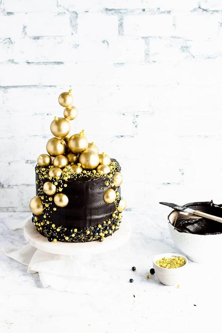 Glam New Year's Eve Cake Recipe New year's cake, Black