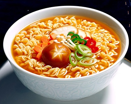 Korean Ramyeon (Ramen) : During preparation, it is possible to add vegetables, dumplings, eggs or meat to improve the nutritional value of the meal.