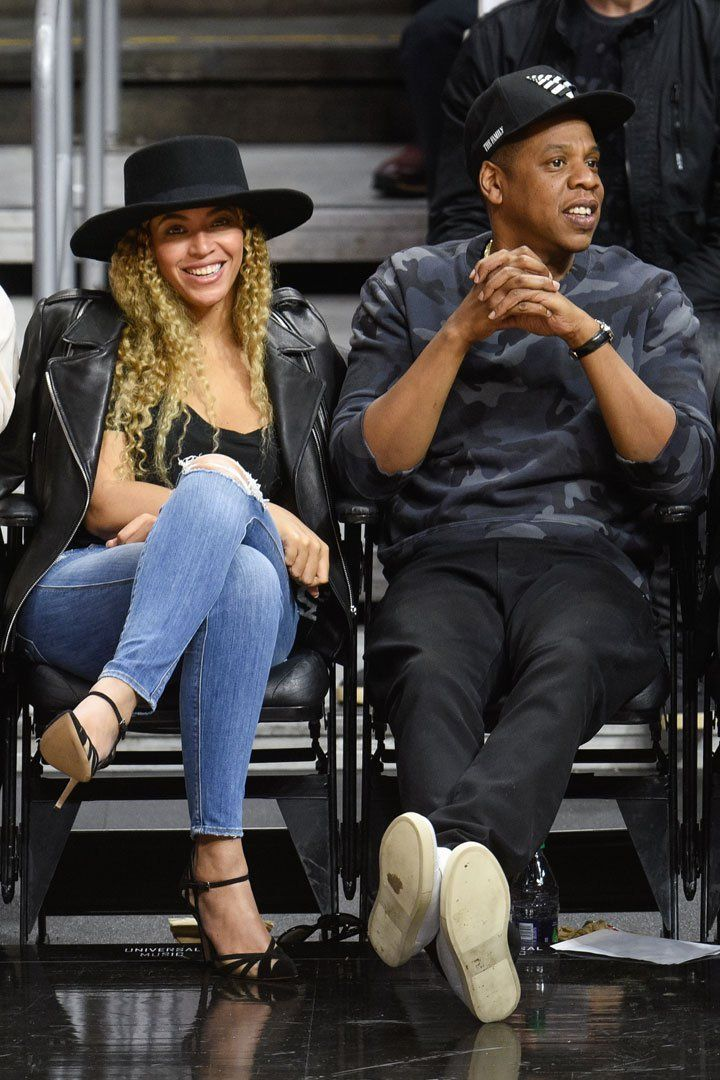 Pin for Later: Kevin Hart Crashes Beyoncé and Jay Z's Sweet Date Night at the Clippers Game