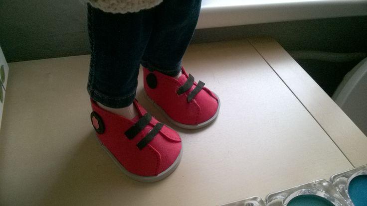 Moje pierwsze buciki z pianki EVA. Praca własna.