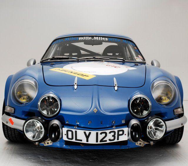 Renault Alpine en fotografía de estudio sin palabras uno de mis coches favoritos de todos los tiempos