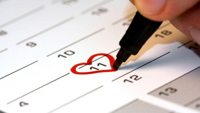Ποιά ημερομηνία να διαλέξω;  Επιτέλους του είπες το πολυπόθητο ναι!!! Και τώρα; To μόνο σίγουρο είναι ότι πρέπει να βρεις την κατάλληλη ημερομηνία για να κάνεις τον γάμο σου και όλα να είναι τέλεια. http://blog.lovetale.gr/archives/1615