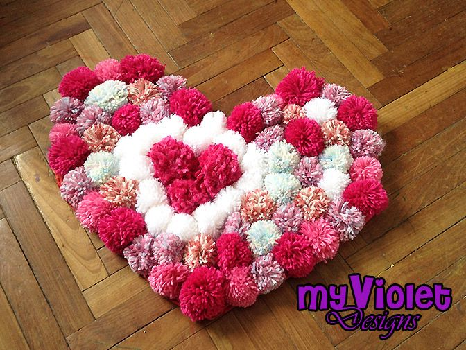 Alfombra de pompones de lana myvioletdesigns.com