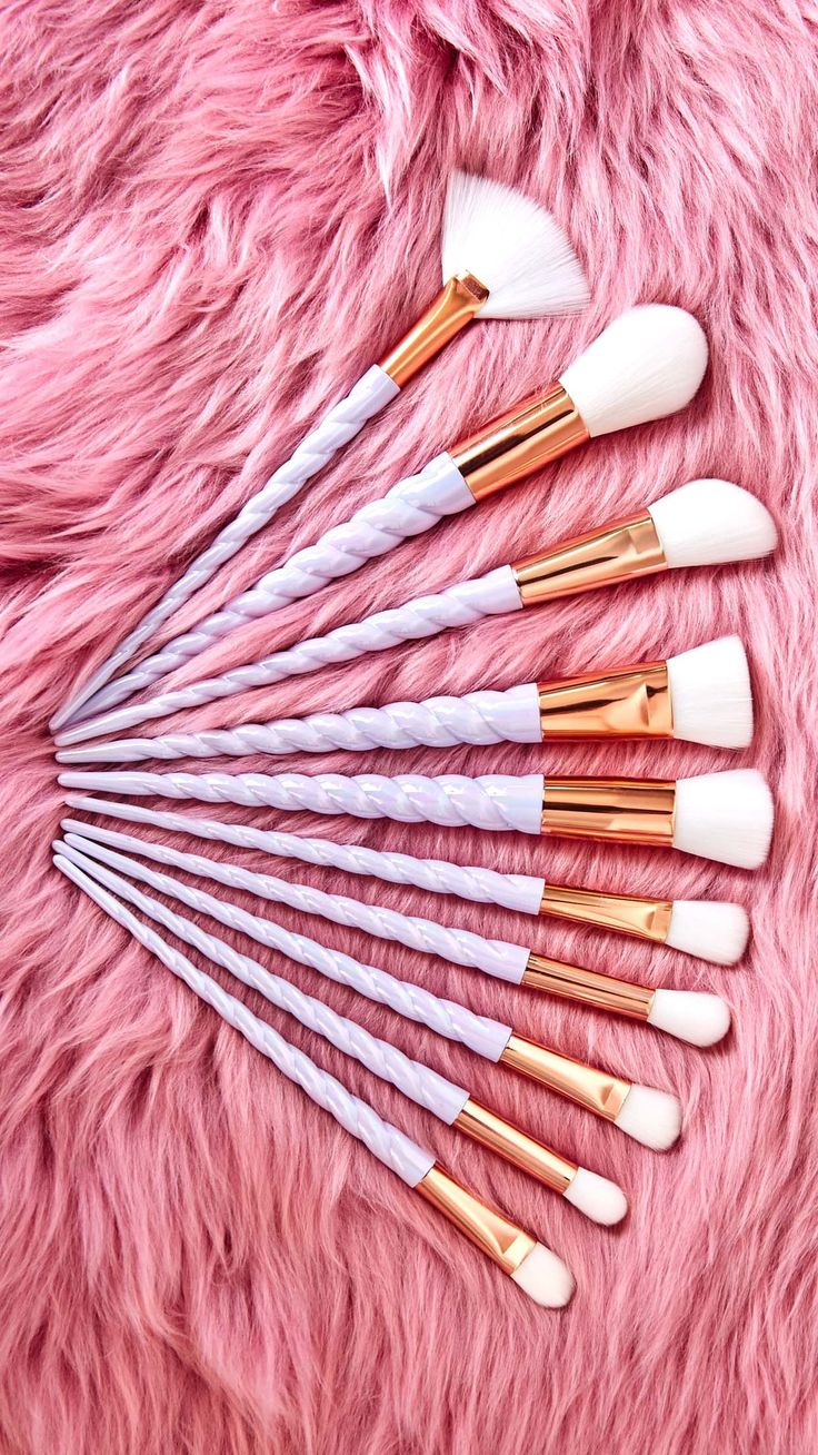 unicorn brush sets. make your childhood unicorn dreams come to life with these ten soft, unicorn-horn handle brushes! this magical set includes a flat top foundation brush, brush sets b