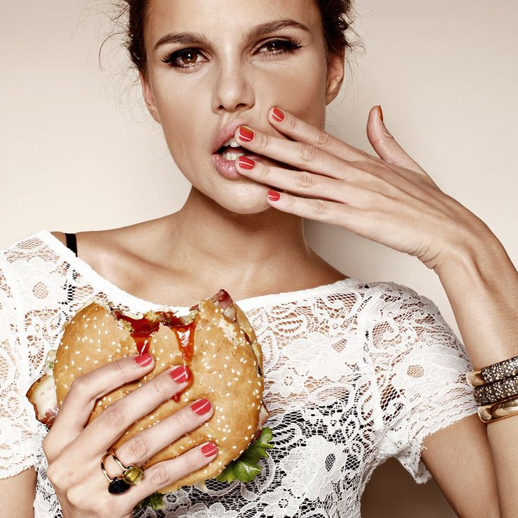 учтены красивая фотосессия модель с едой требует