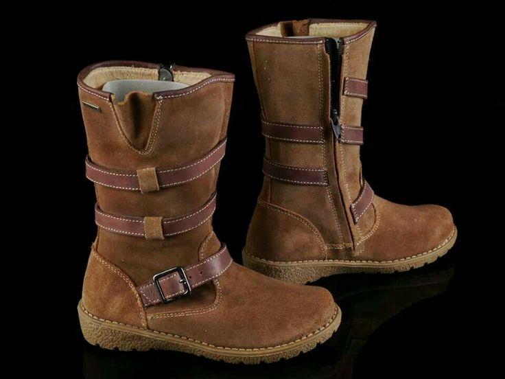 READY STOCK KIDS LEATHER BOOTS KODE : BROWN EBIRRA Size 32,33,34 PRICE : Rp.225.000,- DETAIL SIZE (insole) : - Size 32 (20,5cm) - Size 33 (21cm) - Size 34 (21,5cm)  FOR ORDER : SMS/WHATSAPP 087777111986 PIN BB 766a6420 FB : Mayorishop  #pusat #sepatu #boots #anak #genuine #leather #kids #kulit #asli #branded #eropa #sisaekspor #mayorishoponline #bogor #brown #coklat