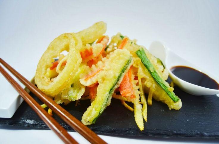 La comida oriental y en el caso de los vegetales a este modo de preparación es de origen oriental, la comida japonesa viene acompañada de una gran cantidad de sabores