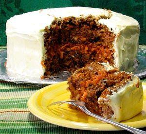 Pastel de zanahoria (y de coco, piña, pasas y nuez): Además de zanahoria, este maraivilloso pastel contiene piña, uva pasa, coco, nuez y naranja.