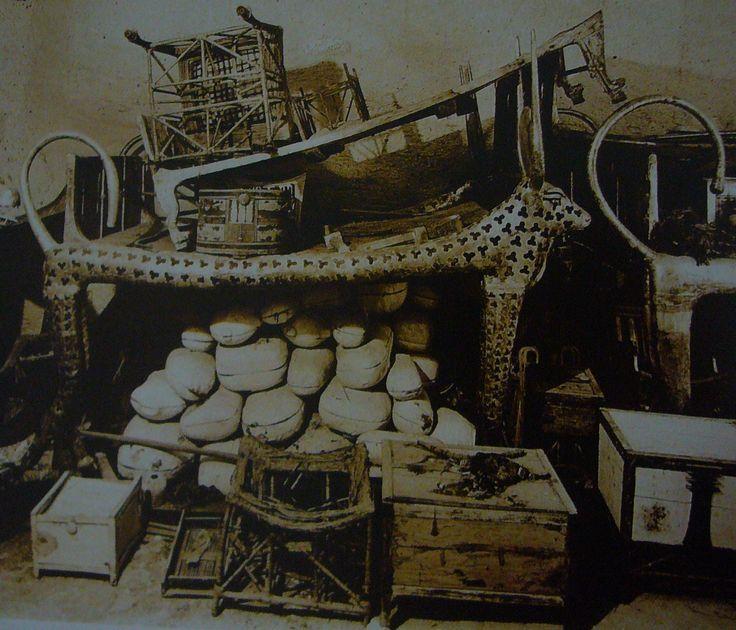 Corredo funebre di Tutankhamon, antico Egitto (1336 - 1327 a.C.),oro massiccio, legno dorato, granito, Valle dei re