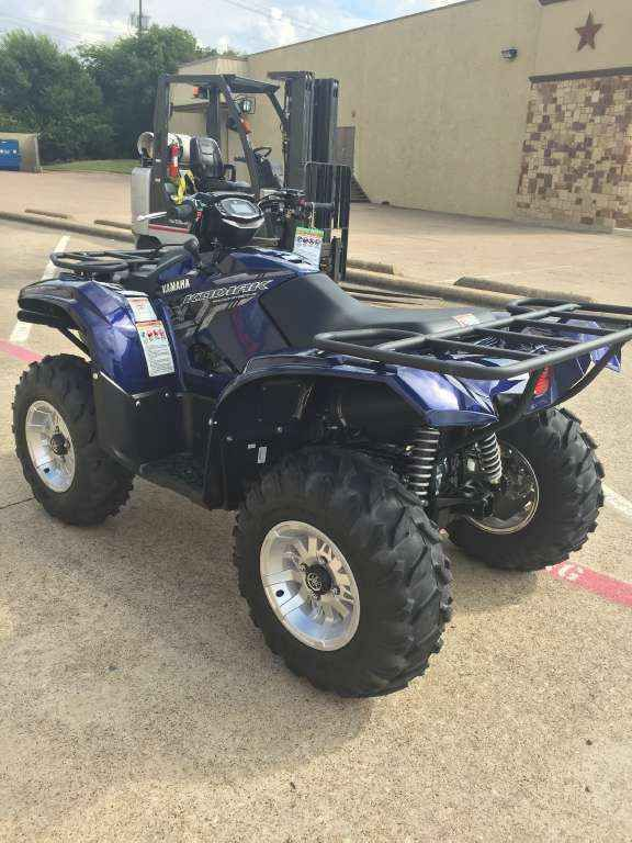 New 2017 Yamaha Kodiak 700 EPS SE ATVs For Sale in Texas. 2017 Yamaha Kodiak 700 EPS SE, 2017 Kodiak was built to make workin haed look easy!! with its slick new paint and wheels makes it look good while its working!! - WORKS HARD, LOOKS GOOD The Kodiak 700 EPS SE: Built to make working hard look good with its cast aluminum wheels and painted bodywork. Arlington Motorsports is a located on major freeway HWY 360 between Dallas and Fort Worth Texas in the middle of the Metroplex. 1 mile from…