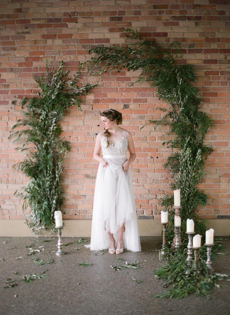 Photography : Almond Leaf Studios Read More on SMP: http://www.stylemepretty.com/little-black-book-blog/2015/04/02/organic-elegant-wedding-inspiration/