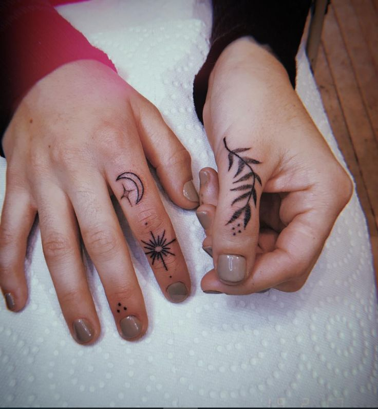 54 Exquisite Tiny Finger Tattoo Ideas of Minimalist Ink For Woman – Page 9 of 55