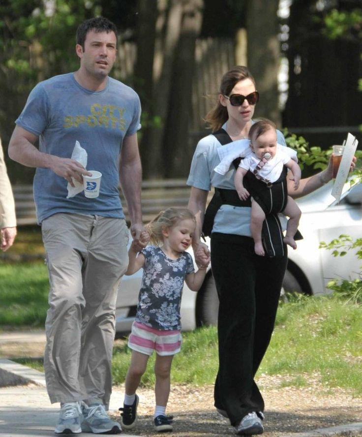 Jennifer Garner with husband Ben Affleck and children