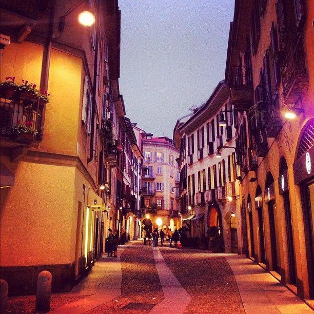 Via Madonnina, Milano, Brera #Milano #city #street