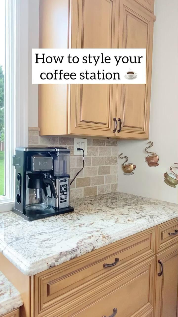 Coffee Bar Station, Coffee Station Kitchen, Coffee Bars In Kitchen, Coffee Bar Home, Home Coffee Stations, Coffee Kitchen Decor, Coffee Bar Ideas, Coffe Bar, Tea Station