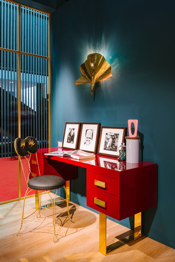 #vittoriale writing desk and #eden wall lamp design Valentina Fontana, #maschera chair design @moschinofficial, #lutétia #festamobile jar design Elena Cutolo for #altreforme @isaloni  #lesfemmesdealtreforme #Novecento #HomeSweetHome New collection 2016 #designweek #interior #home #decor #homedecor #furniture with #woweffect #aluminium #art #architecture #design #decoration #interiordesign #fashion #style #home #hotel #milan #italy #madeini