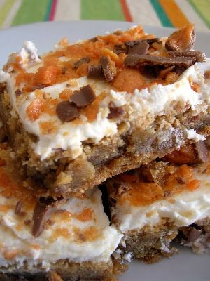 #Butterfinger #Blondies -- Instead of Fun Size candy bars, I used two full-size Butterfinger bars in the frosting and four bars in the batter.