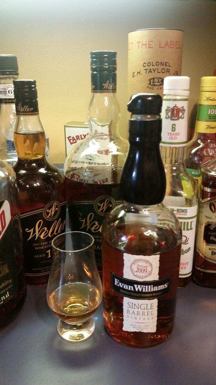 Review #1: Evan Williams Single Barrel (2009) #bourbon #whiskey #whisky #scotch #Kentucky #JimBeam #malt #pappy