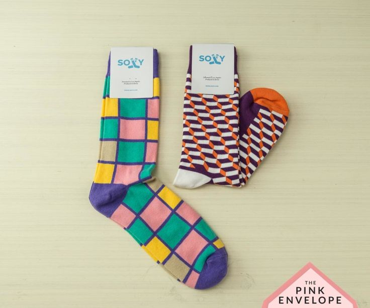 Sock Subscription Service - Soxy Sox Box Review - The Pink Envelope