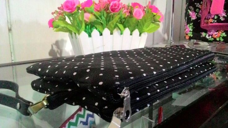 Double zipper pouch, smaller polka black