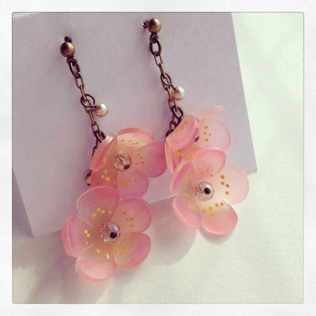 梅の花ピアス earrings shrinky dinks shrink plastic craft handmade プラ板