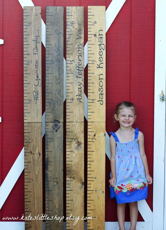 Regla gigante. PINTADOS A MANO. Tabla de crecimiento familiar. Tabla de crecimiento de los niños. Tabla de medición infantil. Decoración de casa rústica. Colgante de pared.