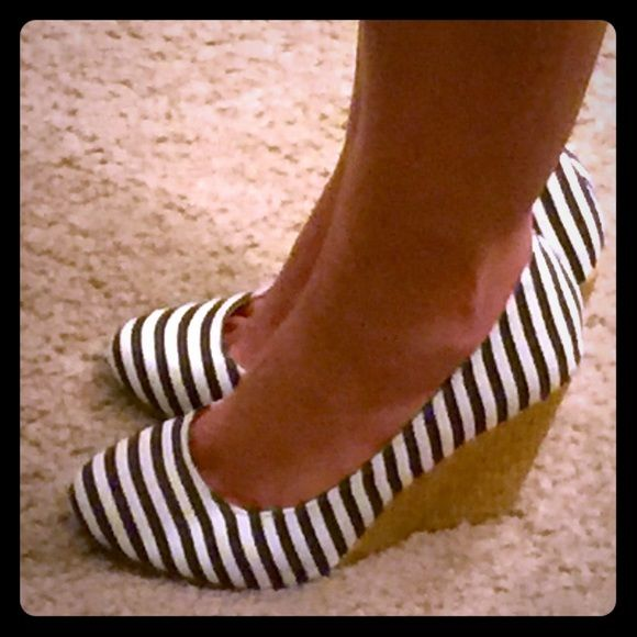 NWOB NEVER WORN NAVY STRIPE WEDGE NAUTICAL PUMP  53% off original price! NEVER WORN - NWOB - NAVY STRIPED - WEDGE PUMPS - PERFECT CONDITION - MIX NO6 BRAND Mix No6 Shoes Wedges