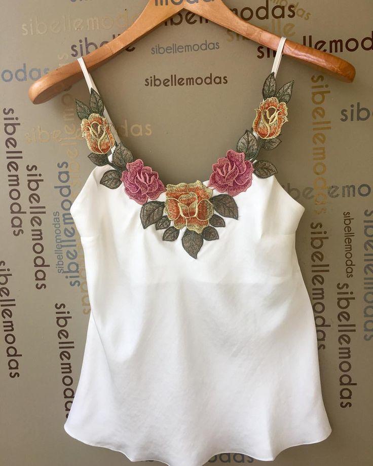 """210 curtidas, 8 comentários - Sibelle Modas (@sibellemodas) no Instagram: """"Regata crepe bordado flower R$98,00 Tam P(38) M(40) G(42) Site para compras…"""""""