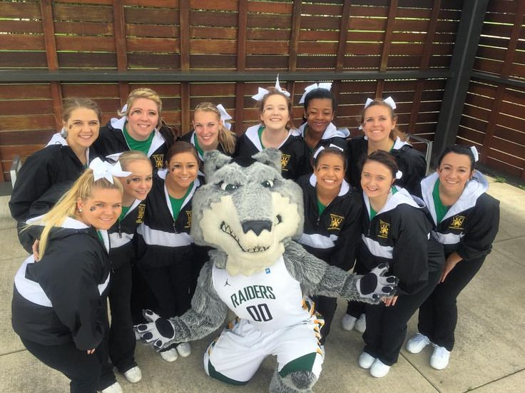Wright State Club Cheerleaders! This is the spirit team for the WSU Football Team and all other club sports!