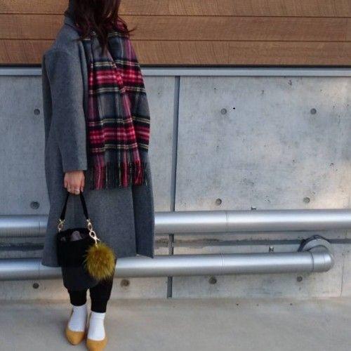 出典:https://www.instagram.com/(@yoko_0124) 真冬の訪れに、寒くて外へ行きたくない…なんていう日もありませんか? そんなさむーい日に履きたいのがユニクロのボアスウェットパンツ! 中のボアがふわふわでとってもあたたか。 足をあたためることって女性にとってとても大切ですよね。 本日はボアスウェットパンツを使った冬のあったかーいコーデをご紹介いたします☆ ■ユニクロ/無地ボアスウェットパンツ 出典:https://www.instagram.com/(@elly111)  こちらはvネックニットに合わせた女性らしさのあるスタイル! ボアであったかなのに、形もきれいなのが嬉しい! カジュアルなスウェットパンツには、品のあるゴールドのパンプスをオン。 キャスケットを合わせてお洒落度もアップ☆ 出典:https://www.instagram.com/(@hiyodorimaru)  こちらはニットクラッチ&ムートンブーツがGU、そのほかすべてユニクロだそう♡ ボアスウェットパンツ×ムートンブーツは最強な組み合わせ!…