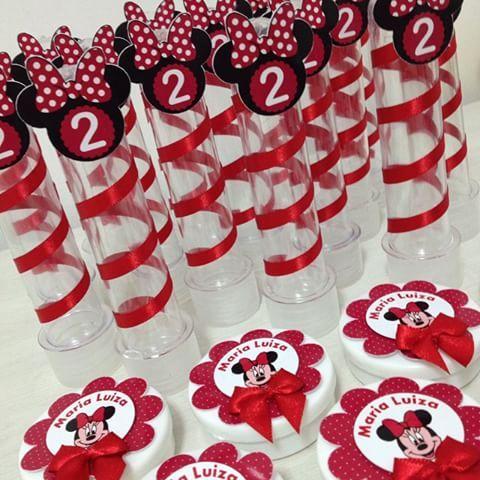 Minnie vermelha para os 2 aninhos da Maria Luiza!!! #papelariapersonalizada #personalizados #festainfantil #scrapfesta #temaminnie #temaminnievermelha ❤️❤️ @driperezz