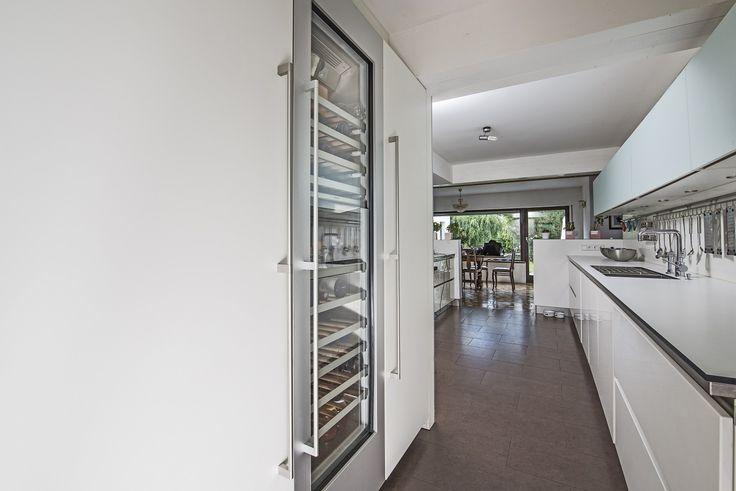 Next125 Küche mit integrierten Kühlgeräten aus der Gaggenau Vario 400 Serie.Daniel Psotta von schwabenkuechen.de plante und realisierte diese Küche.