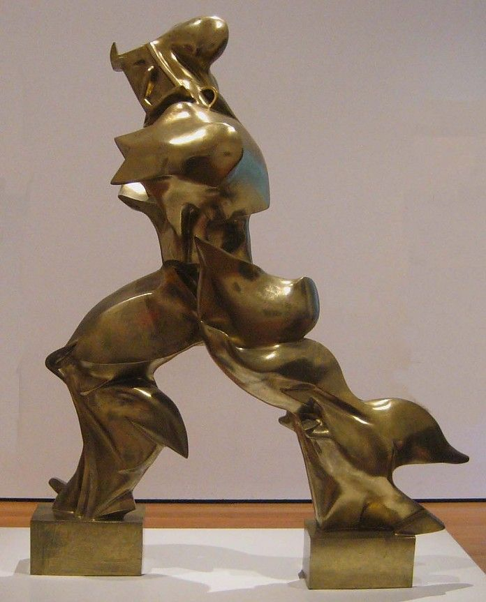 Umberto Boccioni, Unique Forms of Continuity in Space, 1913, brons, 111 x 89 x 40 cm, Museum of Modern Art, New York