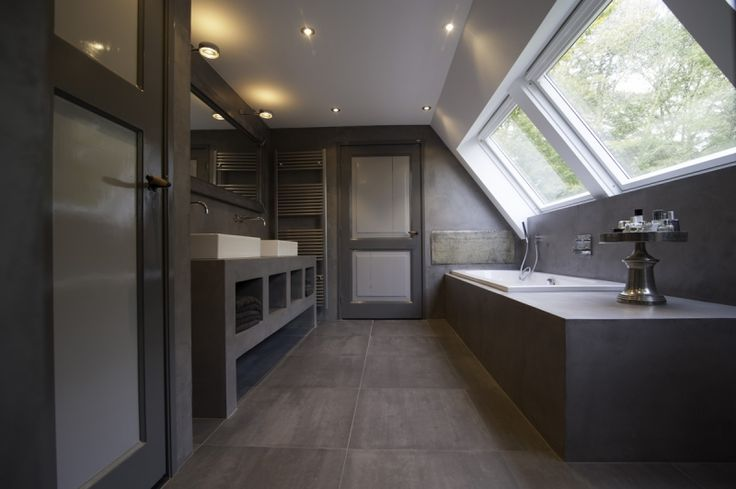 Beton cire badkamer google zoeken badkamer pinterest classic bathroom classic and bathroom - Tub onder dak ...