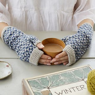 Wonderful mitts for all knit in cozy Isager Highland wool.