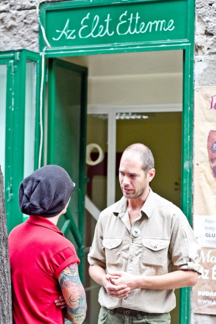 Nyers vegán étterem nyílt Budán - Az Élet Étterme 2.0   WeLoveBudapest.com