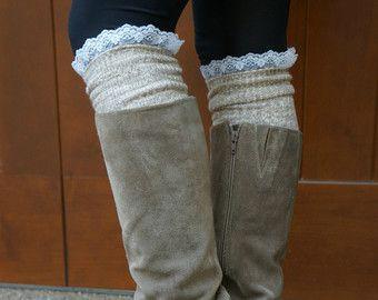 Luxe benen - Heather Brown (havermout) dij hoge schoen sokken - met kant en houten knoppen