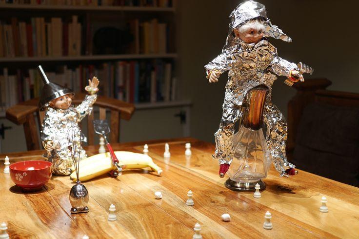 Enrobés de papier d'aluminium, nos lutins chevaliers n'ont rien à envier à Don Quichotte!